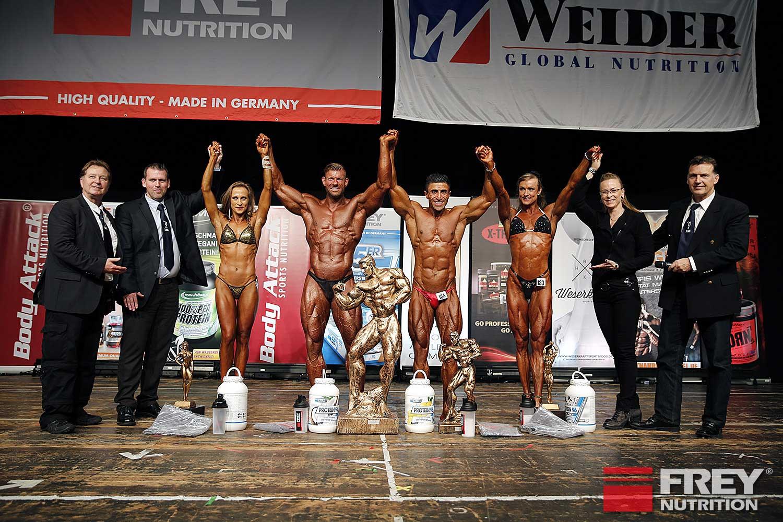 Das NAC-Präsidium ehrt die Gesamtsieger: Inna Nauroth (Bikini Shape), Markus Schierloh (Body), Boby Dilan (Athletik) und Melanie Kuch (Figur)