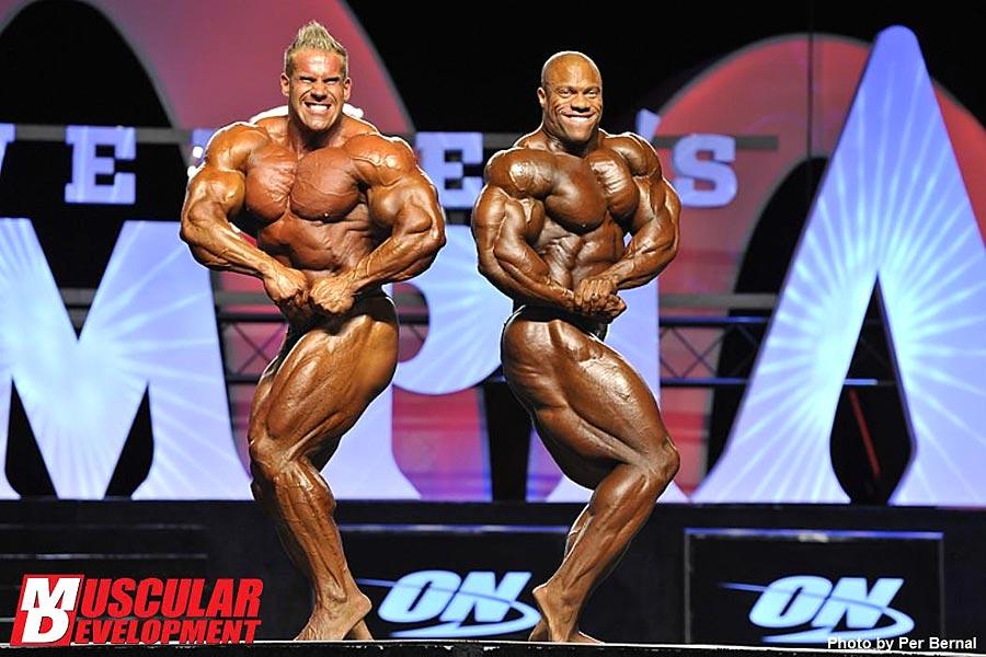 Mr. Olympia 2011 - Jay Cutler vs. Phil Heath - seitliche Brustpose