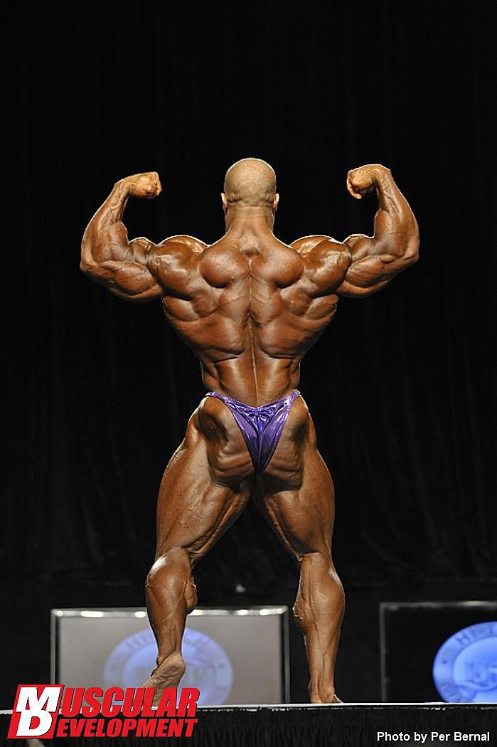 Mr. Olympia 2011 - Phil Heath - Doppelbiceps von hinten