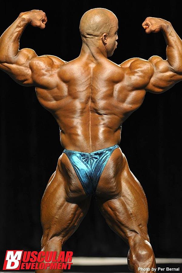 Mr. Olympia 2011 - Victor Martinez - Doppelbiceps von hinten