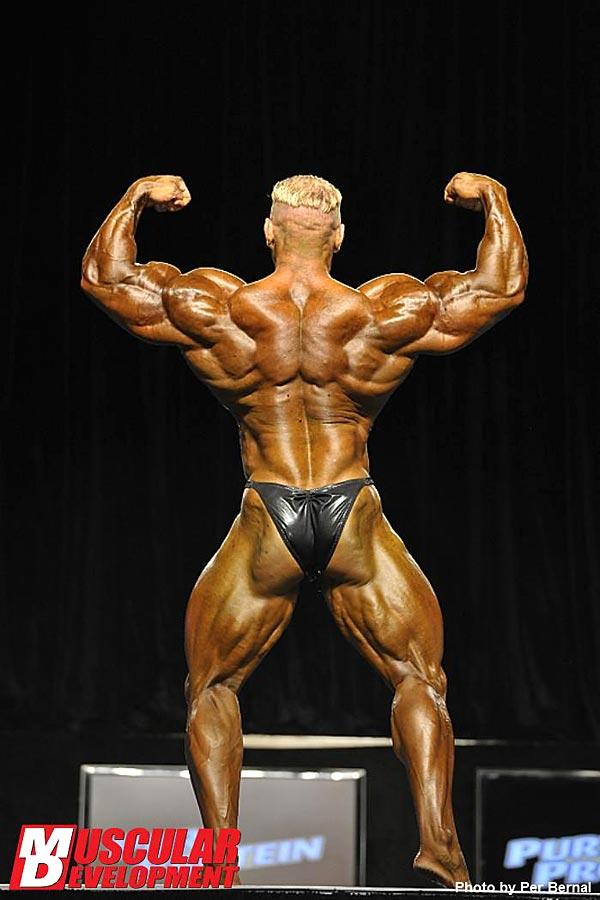 Mr. Olympia 2011 - Dennis Wolf - Doppelbiceps von hinten