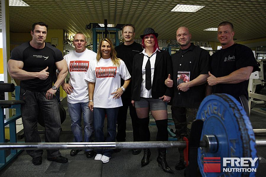 Andreas Frey mit Karsten Pfützenreuter und Team